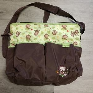 Baby boom diaper bag with multiple pockets